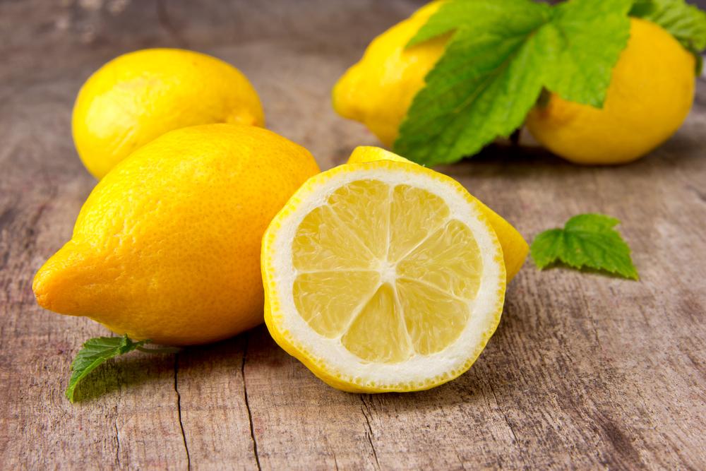 Hatalmas kamu a citromos víz: többet árt, mint használ