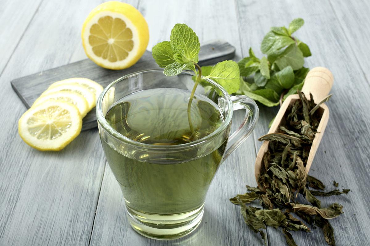 Detox víz: 24 recept a gyors fogyáshoz