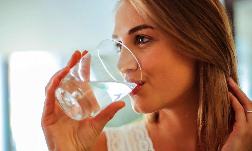 Ennyi vizet kell innod, ha fogyni szeretnél | Marie Claire