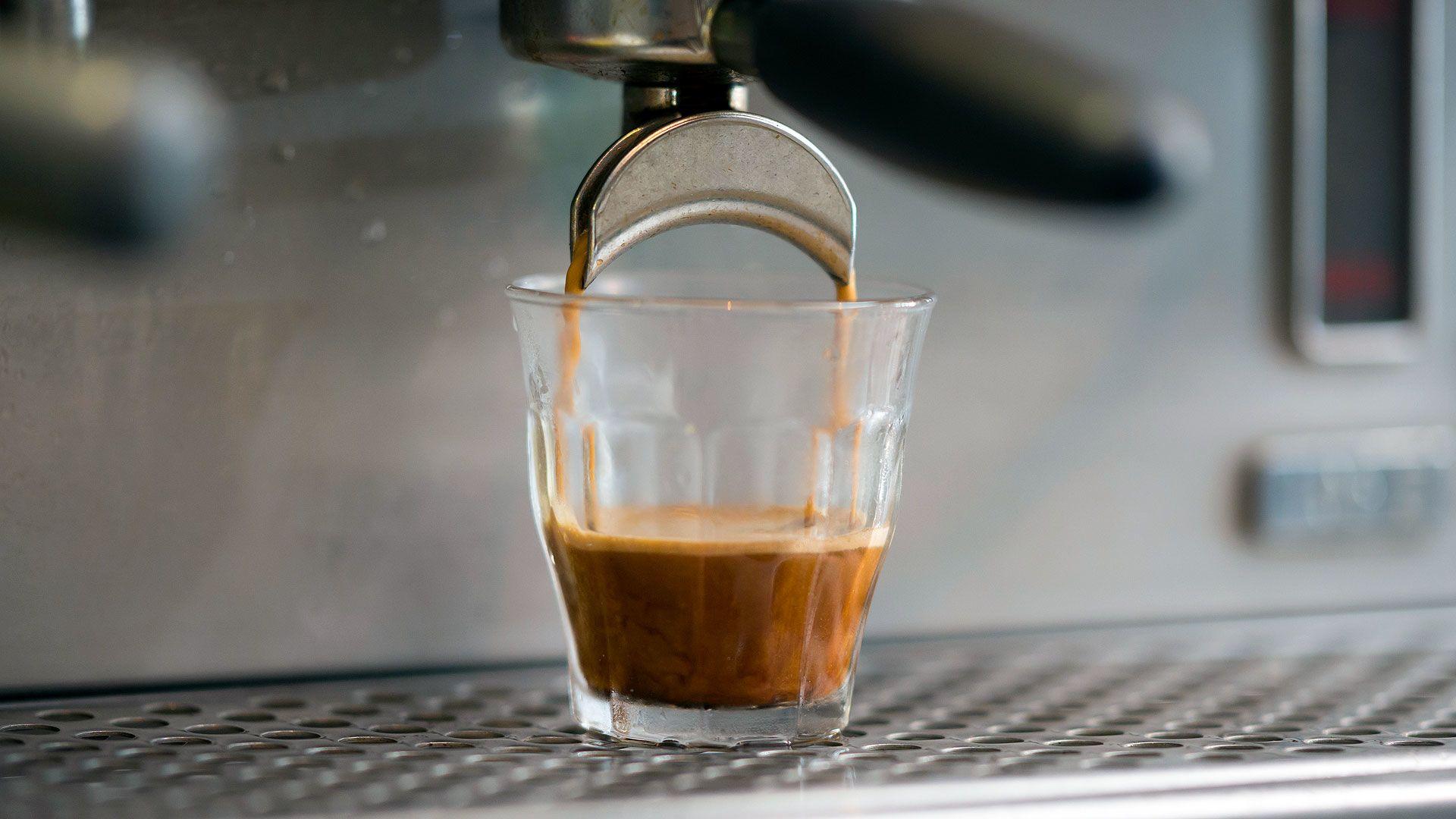 fogyás koffein hogyan lehet eltávolítani a laza testzsírt