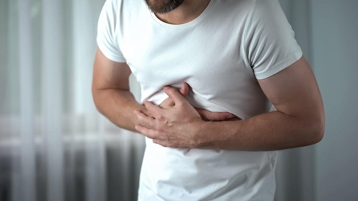 Hogyan kezeljük a hasnyálmirigy gyulladását otthon - Tünetek