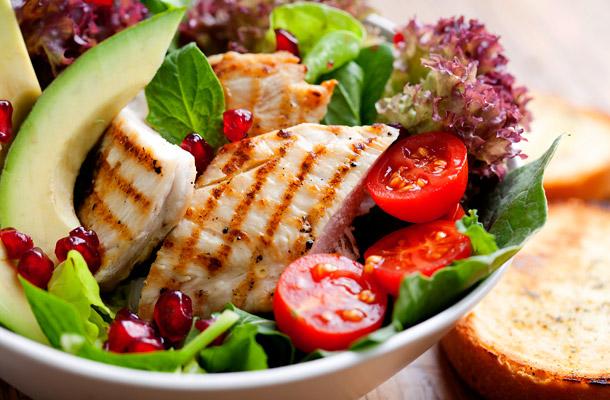 """3 ok, amiért jobb elkerülni a """"tiszta étkezés"""" diétát"""